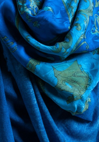 Avant Toi Cashmere/Silk Wooing of the Shepherdess Print Scarf in Cuba