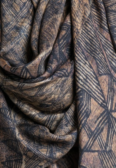 Al011pi Cashmere/Silk Printed Weald Scarf in Brown