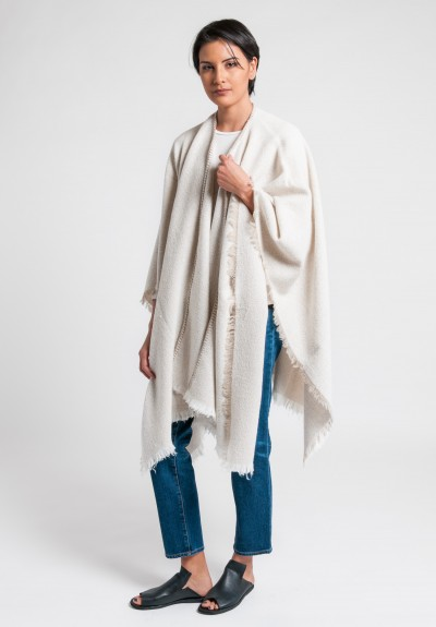 Al011pi Cashmere/Wool Blend Fleet Cape in Cream