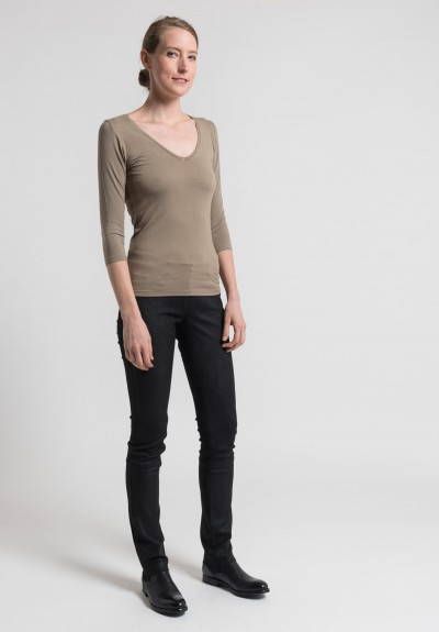 Majestic 3/4 Sleeve V-Neck Top in Cigare