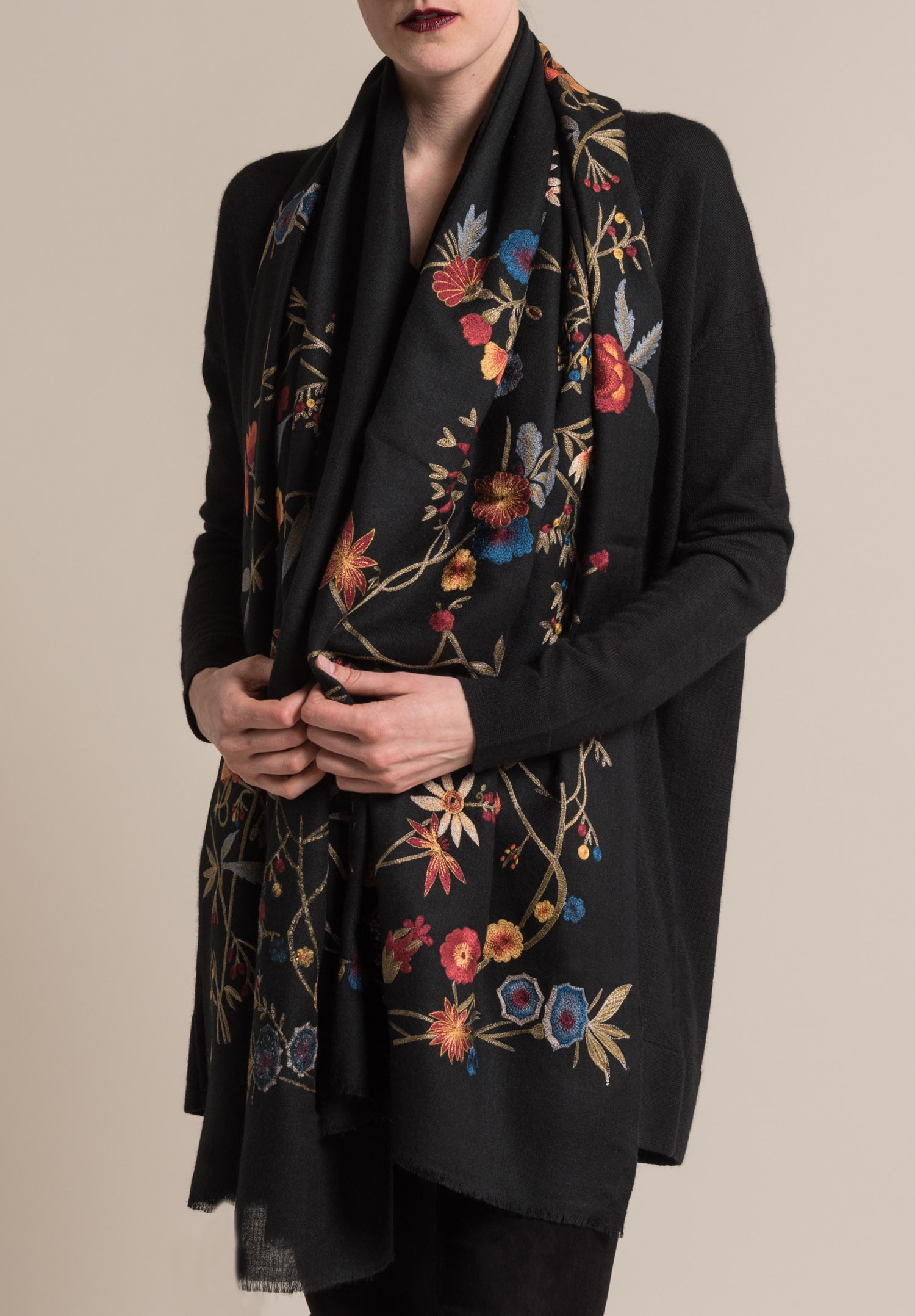 Janavi Cashmere Floral Embroidered Scarf In Black Santa