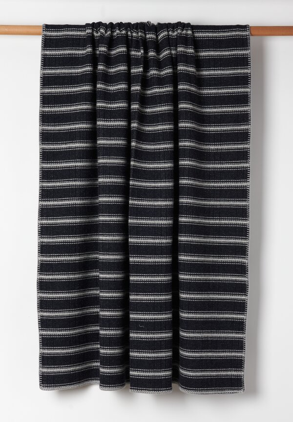 Alonpi Cashmere Whipstitch Edge Throw in Black