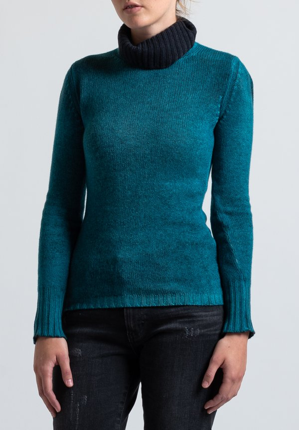 Avant Toi Fitted Turtleneck Sweater in Nero/ Turchese