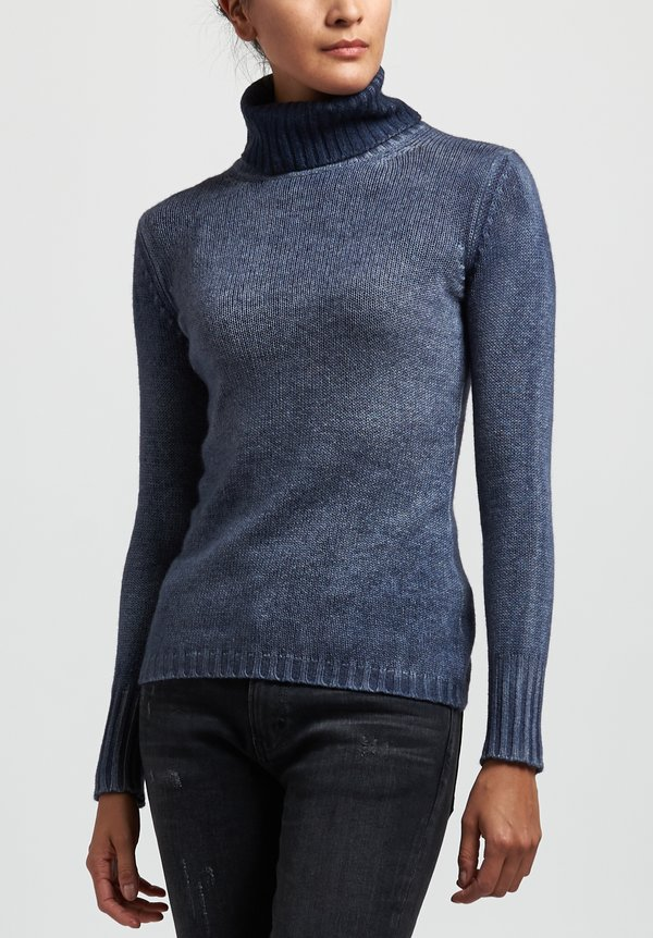 Avant Toi Cashmere Fitted Ribbed Turtleneck Sweater in Blu Navy