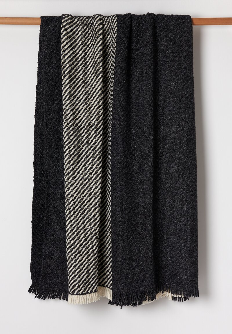 Wehve Merino Wool Large April Blanket Noir/ Blanc