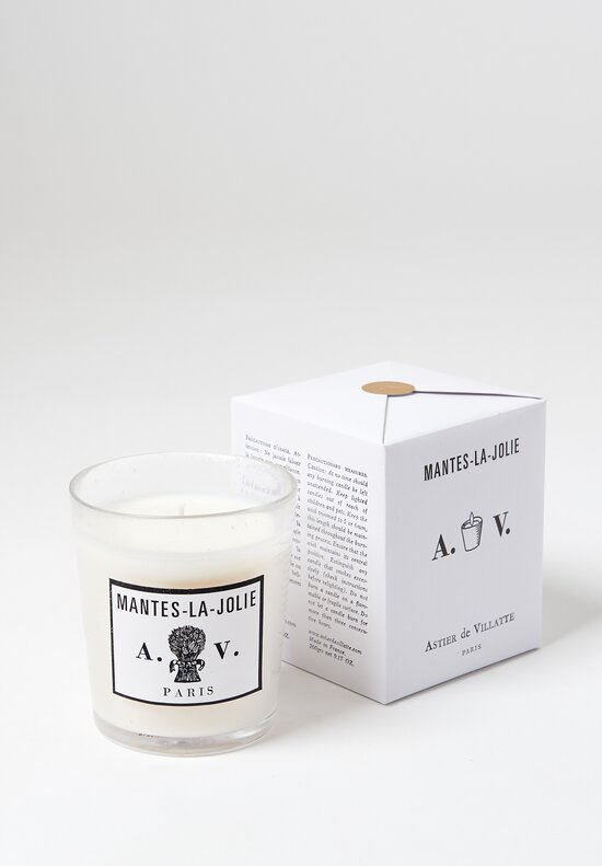 Renowned for their signature approach to handmade ceramics, Astier de Villatte and Ivan Pericoli have been designing home goods since 1996. They follow in the tradition of the great 18th and 19th century Parisian ceramic studios. Astier de Villatte handcr