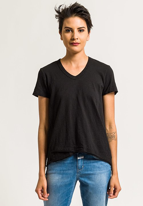 Wilt V-Neck Short Sleeve Mock Hem Tee in Black