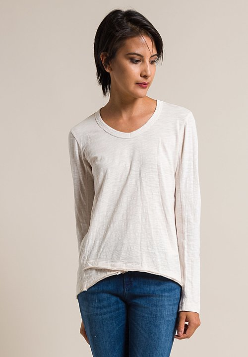 Wilt V-Neck Shrunken Mock Hem Tee in Light Peach