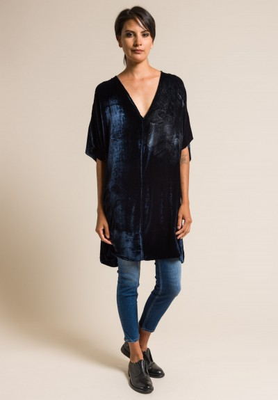 Jaga Hand-Painted Velvet Short Sleeve V-Neck Tunic in Navy