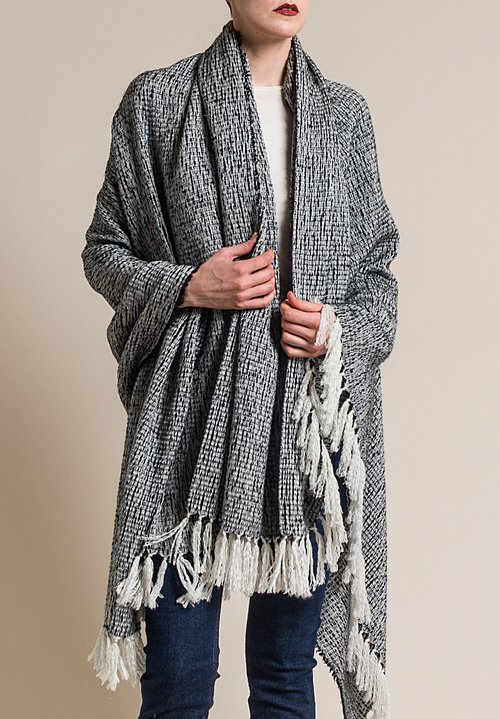 Alonpi Cashmere Cashmere/Silk Textured Olmo Shawl in Black/White