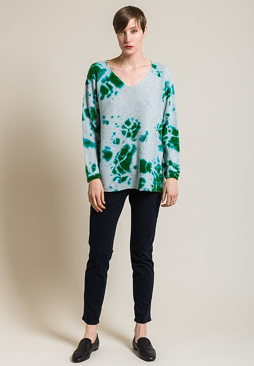 Suzusan Cashmere V-Neck Madara Shibori Sweater in Emerald/Light Grey