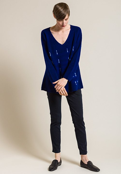 Suzusan Cashmere V-Neck Awase Makinui Shibori Sweater in Royal Blue/Grége