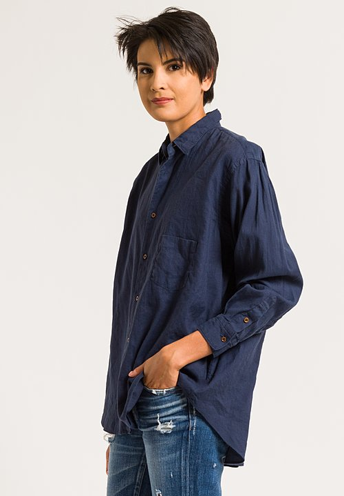 Kaval Button-Down Shirt with Back Tuck in Navy
