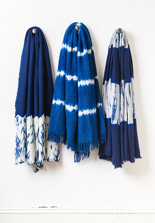 Suzusan Alpaca Nuisuji Shibori Bouclé Throw in Dark Blue/ Light Grey