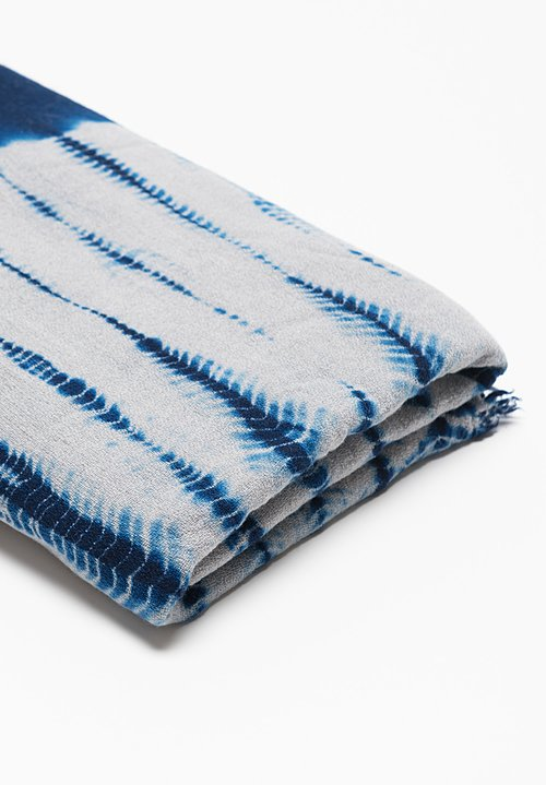 Suzusan Tesuji Yoroidan Shibori Throw in Dark Blue/ Light Grey