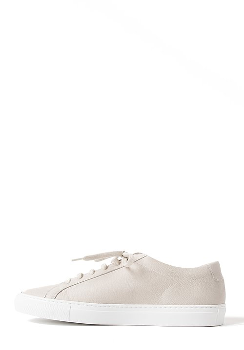 Common Projects Sneakers in Carta