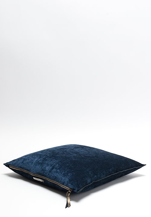 Maison de Vacances Royal Velvet Square Pillow in Bleu Nuit
