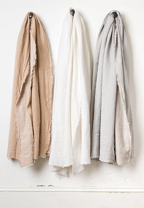 Maison de Vacances Crumpled Washed Linen Throw in Nude / Givré