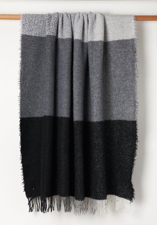 Alonpi Cachmere/ Silk Blended Fluffy Throw in Black