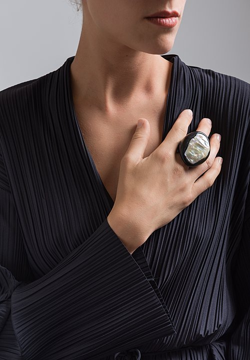Monies UNIQUE Baroc Pearl and Ebony Ring