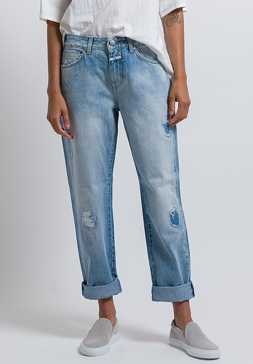 Closed Relaxed Distressed Jay Jeans in Pale Blue