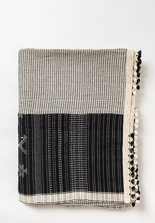 Injiri Organic Cotton Square Jat Blanket in Black / Cream