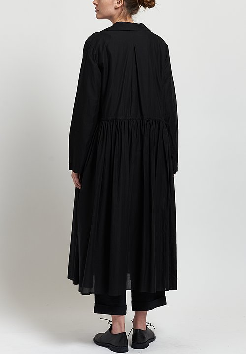 Kaval Lightweight Gathered Duster in Black