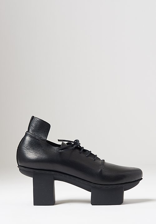 Trippen Parcel Shoe in Black