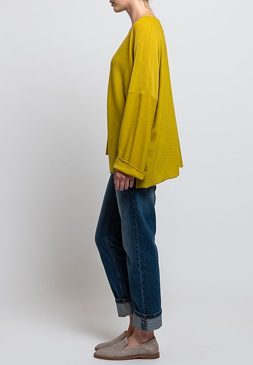 Shi Cashmere Lavinia V-Neck Sweater in Chartreuse