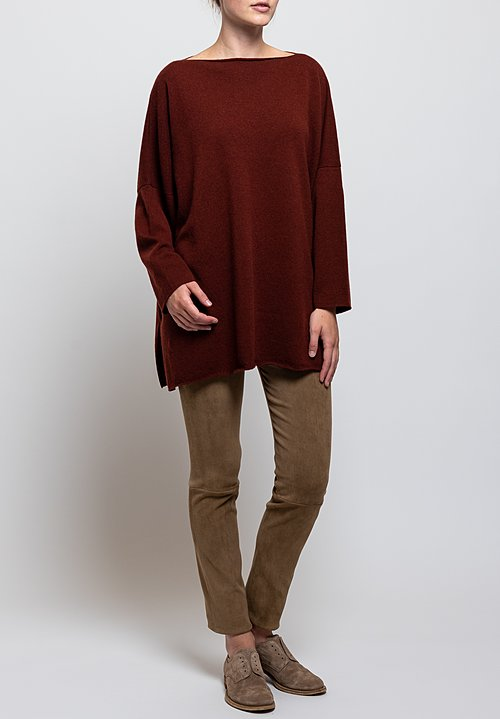 Shi Cashmere Cass Slash Neck Sweater in Auburn