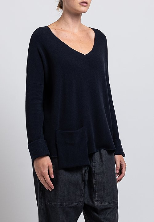 Album di Famiglia V-Neck Pocket Sweatshirt in Dark Navy