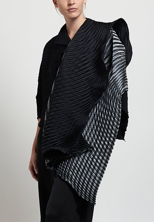 Issey Miyake Winding Pleats Scarf in Black