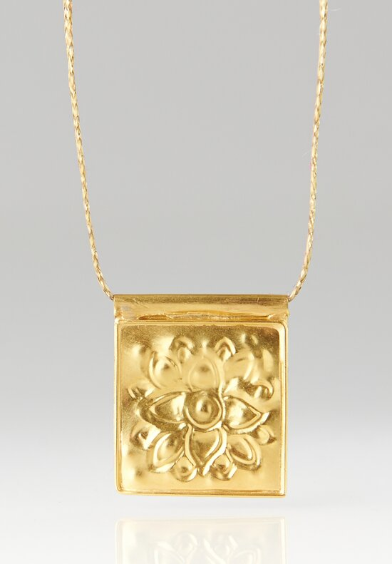 Pippa Small 18K Gold Lotus Square Stamp Pendant Necklace