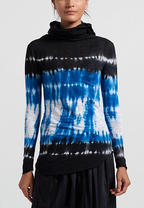 Gilda Midani Pattern Dyed Giraffe Long Sleeve Tee in Blue Row