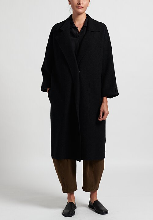 Oska Mantel Hynu Coat in Black