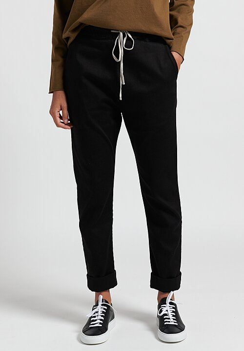 Album di Famiglia Basic Trousers in Black