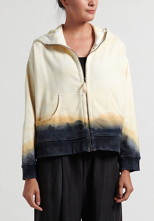 Gilda Midani Pattern Dyed Cropped Hoodie in Cream