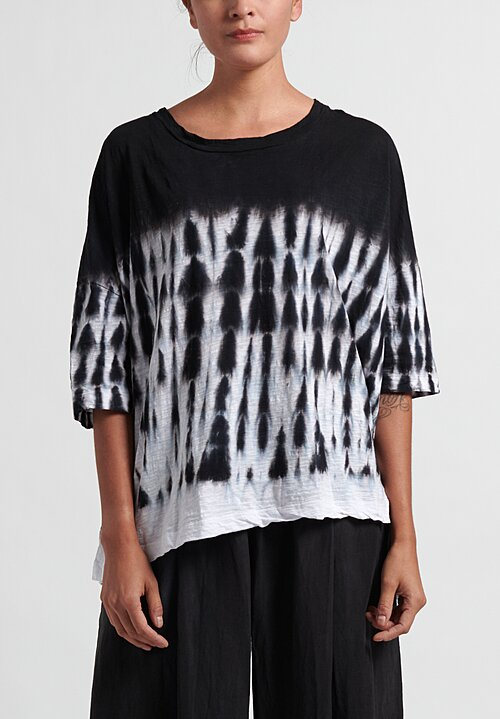 Gilda Midani Pattern Dyed Short Sleeve Super Tee in Black