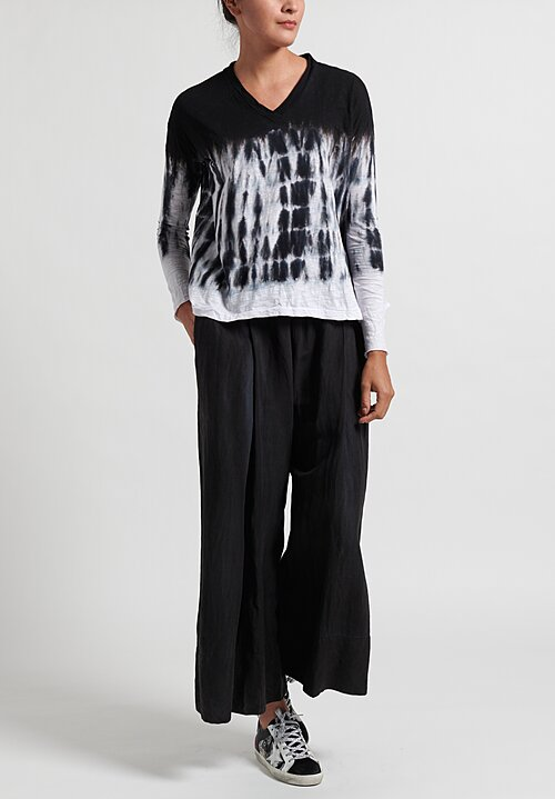 Gilda Midani Pattern Dyed Long Sleeve V-Neck Trapeze Tee in Waterfall