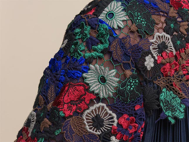 Floral & Lace Back Pleated Top in Navy Multi | Santa Fe Dry Goods & Workshop