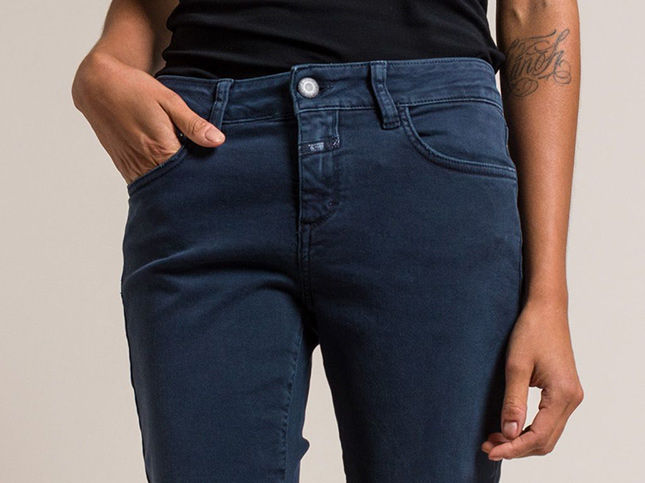 Closed Jeans Baker Cropped Narrow Jeans in Washed Navy