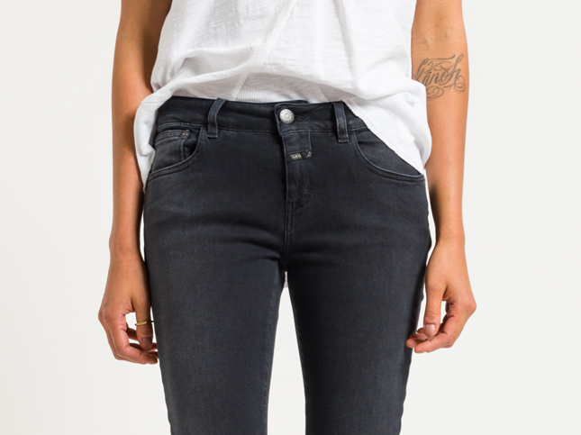 Closed Long Baker Narrow Jeans in Smoked Black