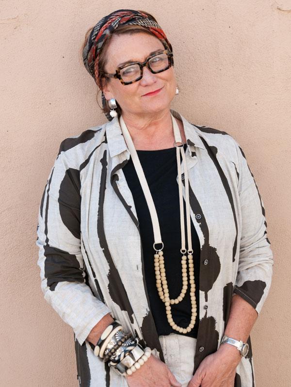 Cindy Santa Fe Dry Goods Trippen Rundholz Avant Toi Greg Lauren
