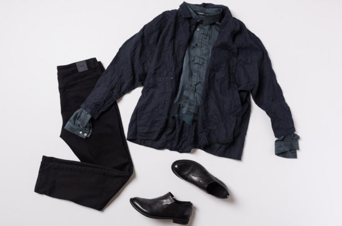 Umit Unal SS17 Blue Silk top and blue linen jacket, Closed jeans in black and Officine Creative black leather shoes